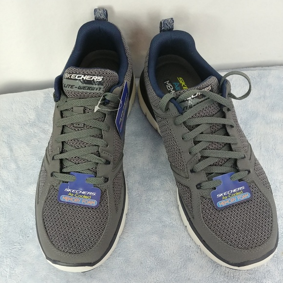 Skechers memory foam lite weight men shoes sz 8.5 NWT